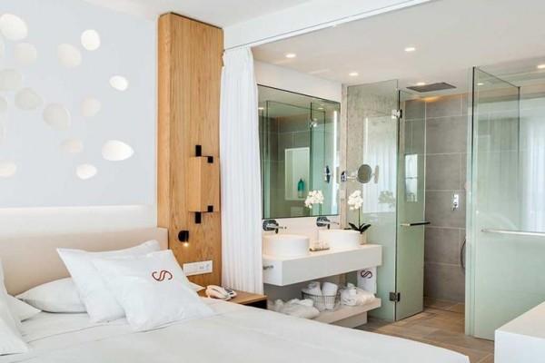 408-room-22-hotel-corales-beach-royal-hideaway-hotel_tcm7-107920_w1600_n (3) (Copy)